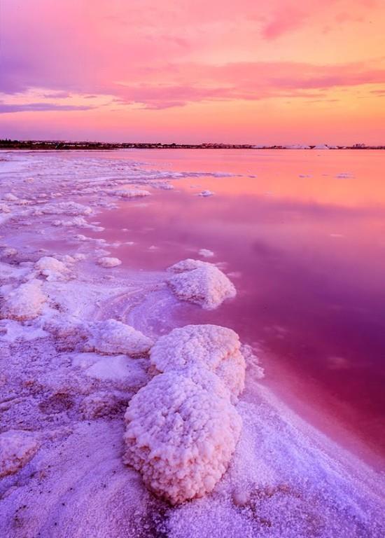 розовое озеро Лас Салинас в Торревьехе