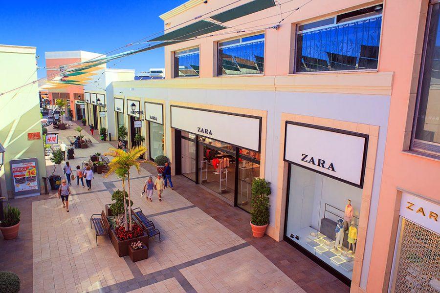 Испания магазины в коммерческом центре Ла Зения Бульвар