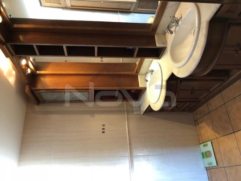 Foto de stock Gran villa en España, habitaciones xnumx