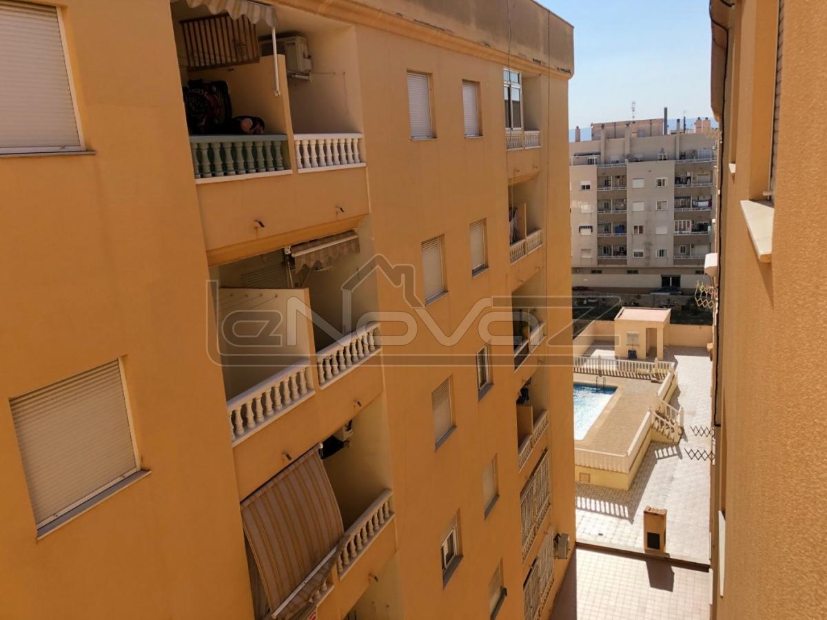 Foto Apartamento con habitación 1 en Torrevieja.