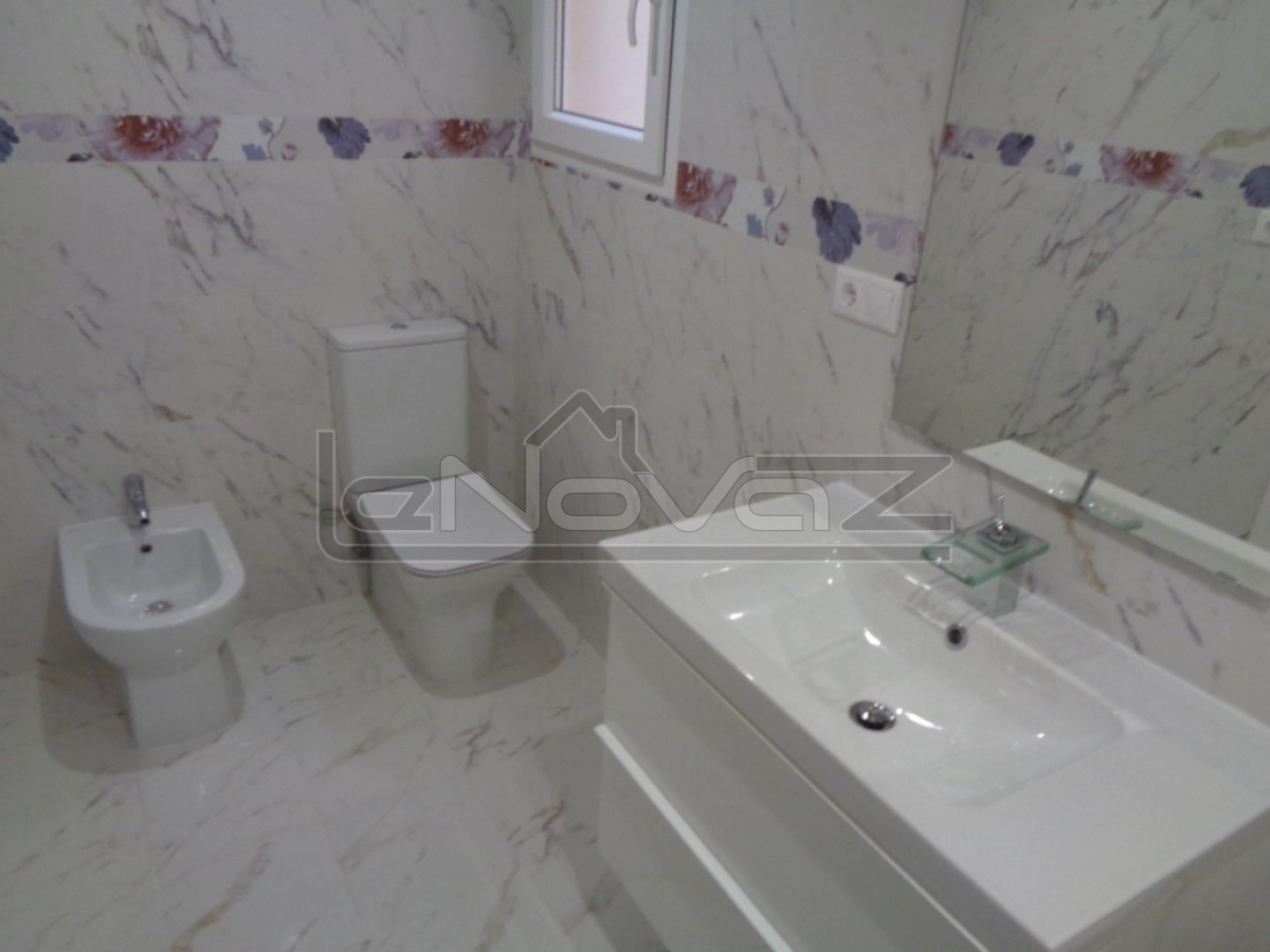 Photo Apartment with 3 bedrooms in Torrevieja