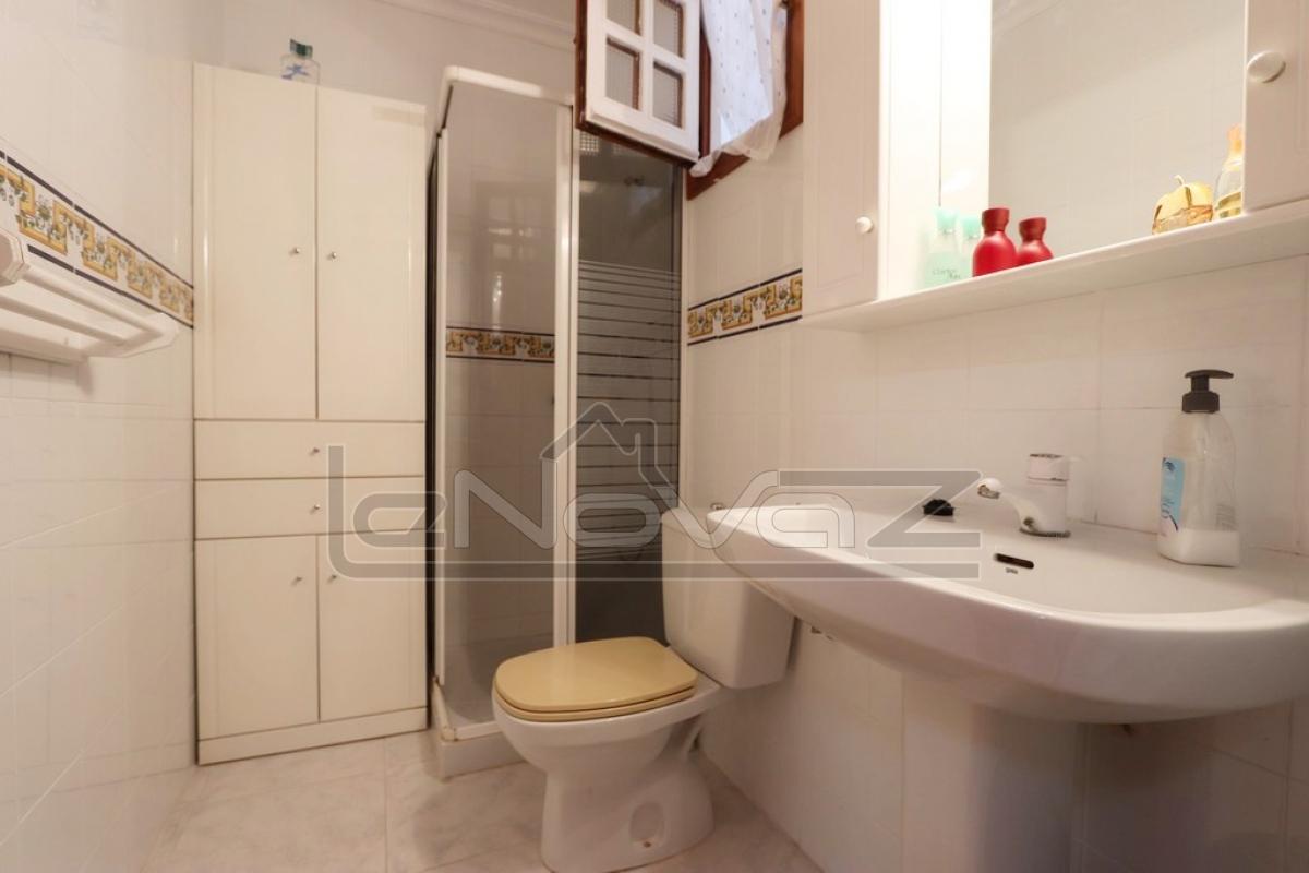 Foto de stock Bungalow con dormitorio 1 en La Mata
