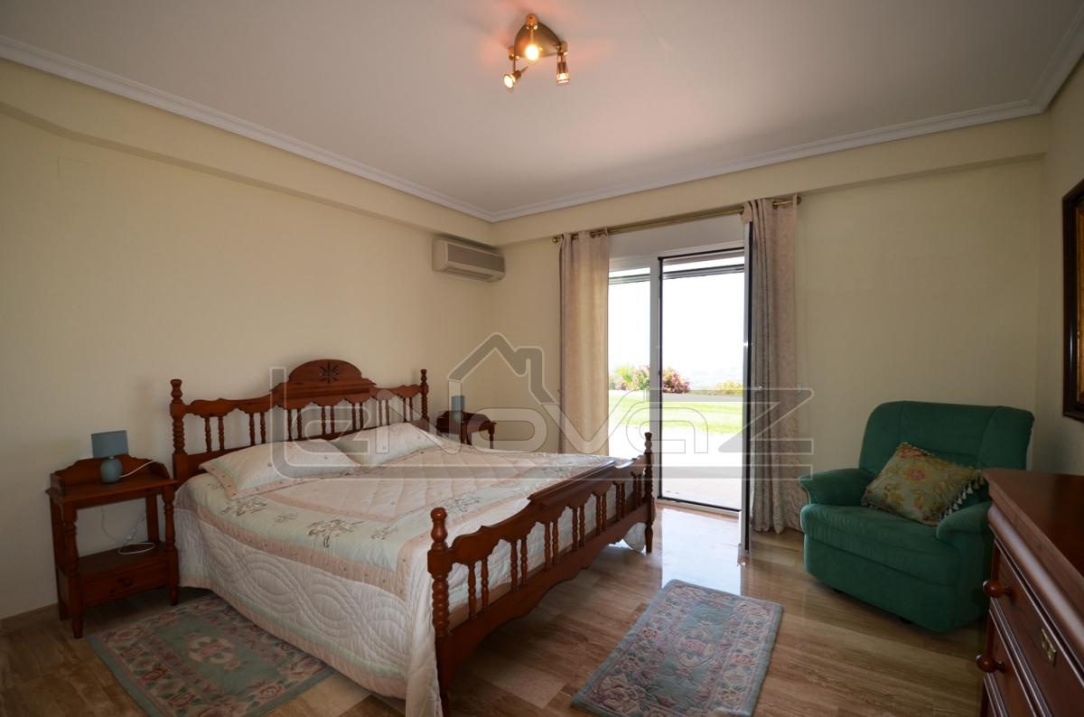 Фото Вилла с 5 спальнями в Altea
