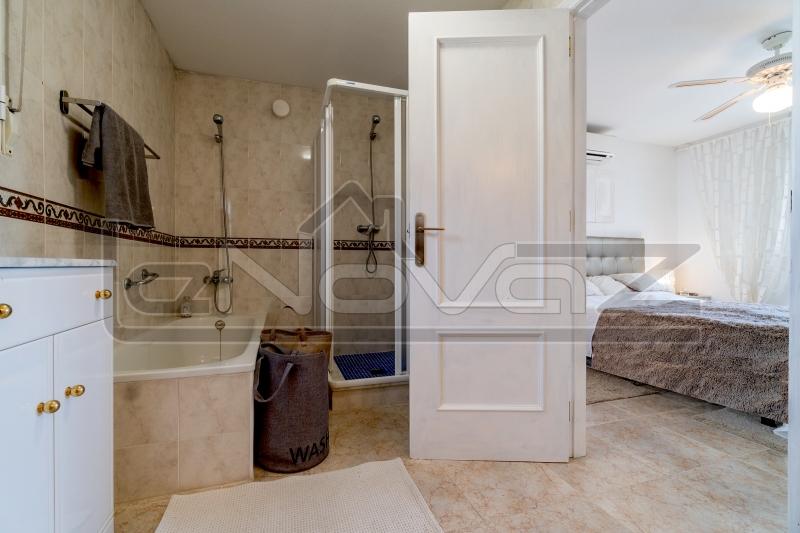 Фото Вилла с 3 спальнями в Los Balcones