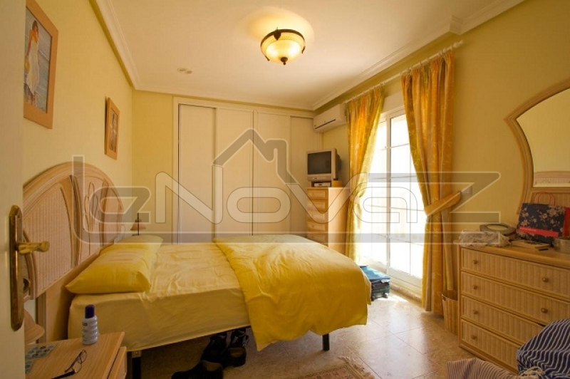 Фото Вилла с 4 спальнями в La Zenia